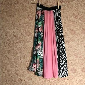 Frilly pleated zebra print and pink skirt Small